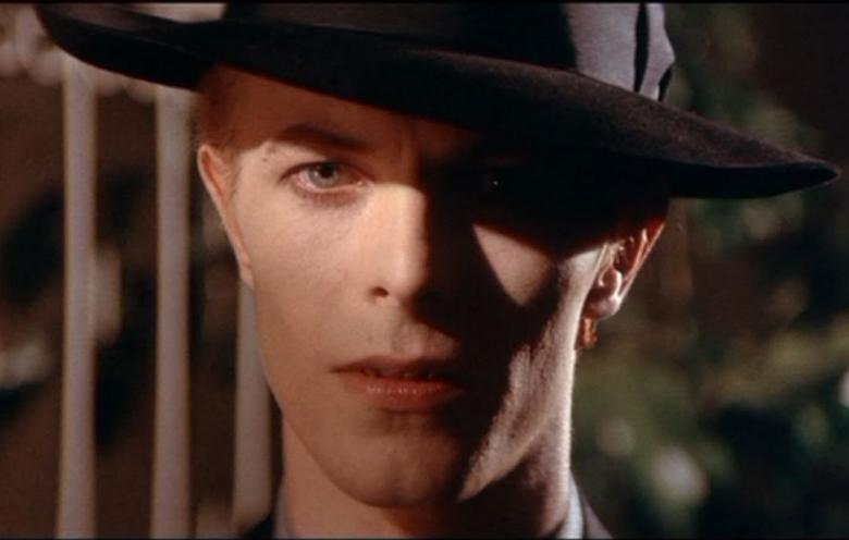 The Man Who Fell To Earth - David Bowie-iocero-2014-03-18-12-11-13-The Man Who Fell to Earth 2